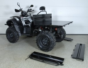 TGB 550 AR EFI EPS Traktorimönkijä lavalla